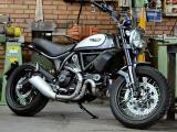 Nouveau membre dans la famille Ducati Scrambler : le 800 Street Classic.