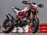 Plus de sport avec la version SP de la Ducati 939 Hypermotard.