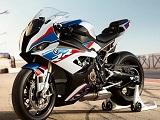 BMW suspend les ventes de sa S1000RR pour un problème de boite de vitesse.