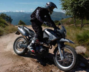 aprilia 650 pegaso trail 2005 fiche moto motoplanete. Black Bedroom Furniture Sets. Home Design Ideas