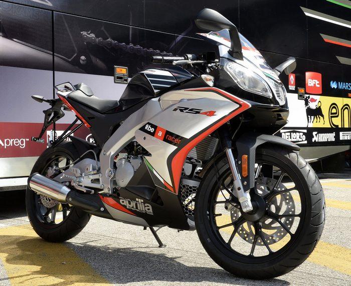 aprilia rs4 125 replica 2015 galerie moto motoplanete. Black Bedroom Furniture Sets. Home Design Ideas