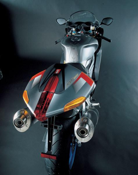Aprilia RSV-R 1000 2005 - 3