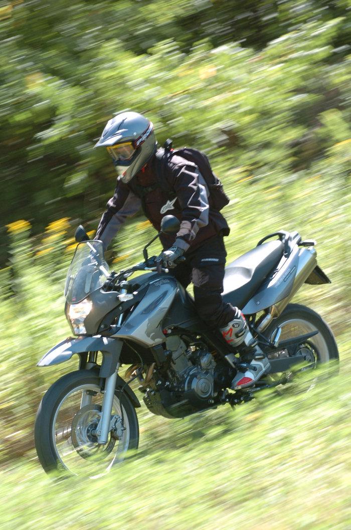 aprilia 650 pegaso trail 2006 galerie moto motoplanete. Black Bedroom Furniture Sets. Home Design Ideas