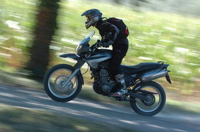 aprilia 650 pegaso trail 2010 galerie moto motoplanete. Black Bedroom Furniture Sets. Home Design Ideas