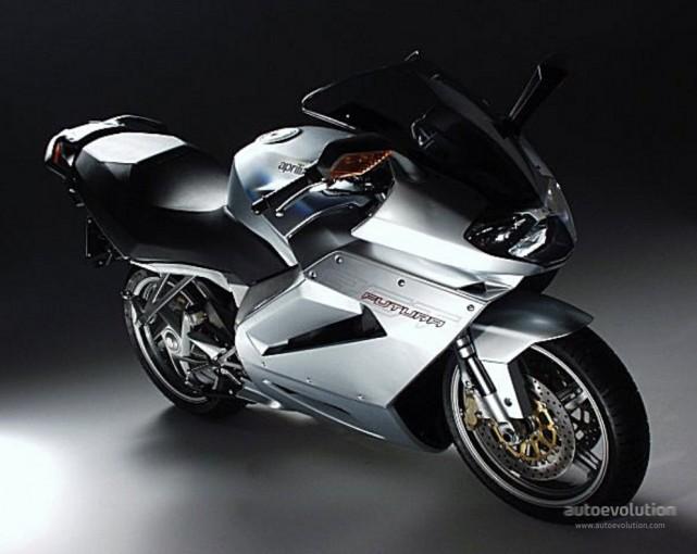 Aprilia RST 1000 FUTURA 2004 - 9