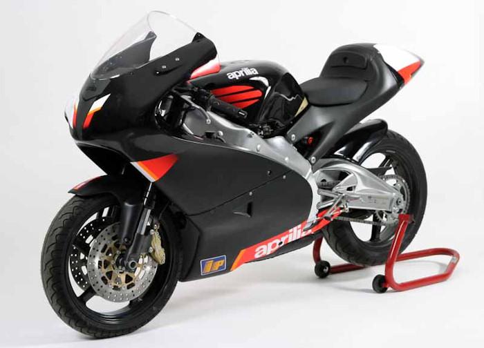 aprilia rs 250 pista 2004 fiche moto motoplanete. Black Bedroom Furniture Sets. Home Design Ideas