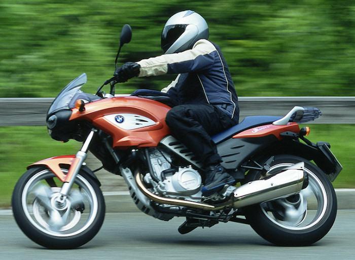 bmw f 650 cs scarver 2002 fiche moto motoplanete. Black Bedroom Furniture Sets. Home Design Ideas