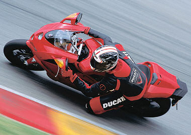 moto Ducati 999 2005