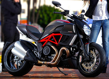 Ducati DIAVEL CARBON 1200 2012