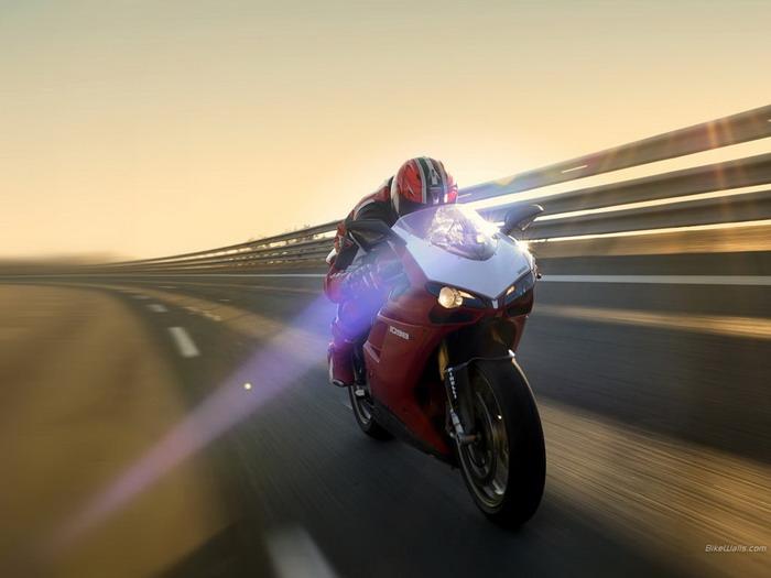 Ducati 1098 R 2008 - 18