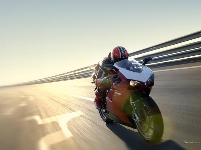 Ducati 1098 R 2008 - 21