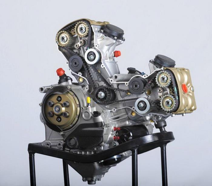 Ducati 1198 F10 SUPERBIKE 2010 - 6