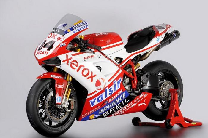 Ducati 1198 F10 SUPERBIKE 2010 - 16