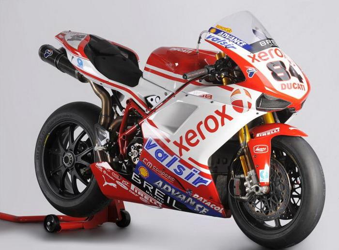 Ducati 1198 F10 SUPERBIKE 2010 - 22