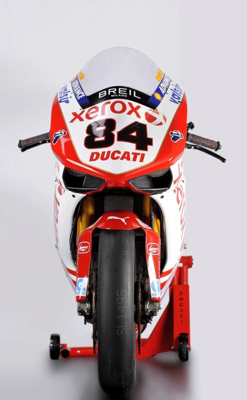 Ducati 1198 F10 SUPERBIKE 2010 - 10