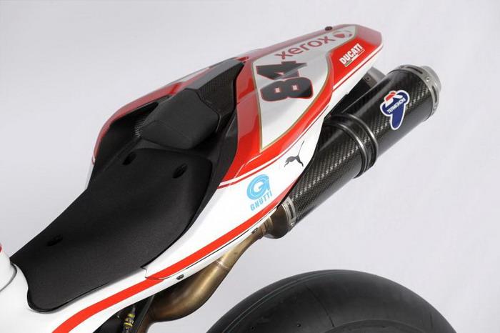 Ducati 1198 F10 SUPERBIKE 2010 - 1