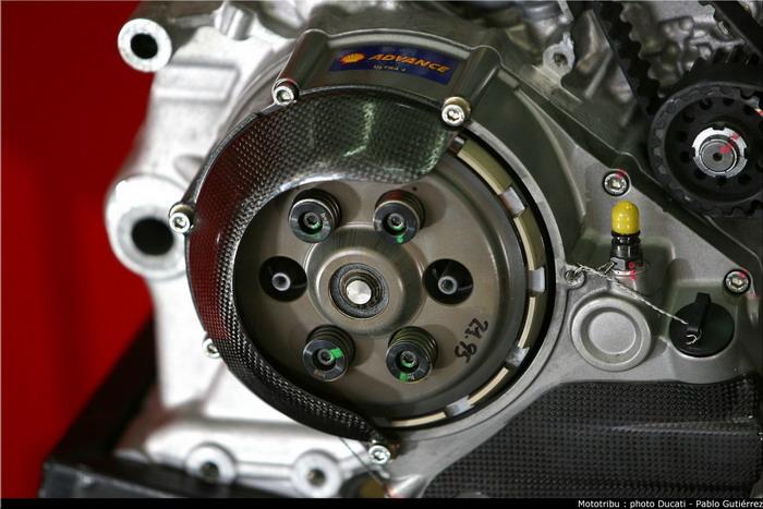 Ducati 1198 F10 SUPERBIKE 2010 - 25