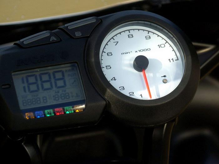 Ducati 620 MULTISTRADA 2005 - 23