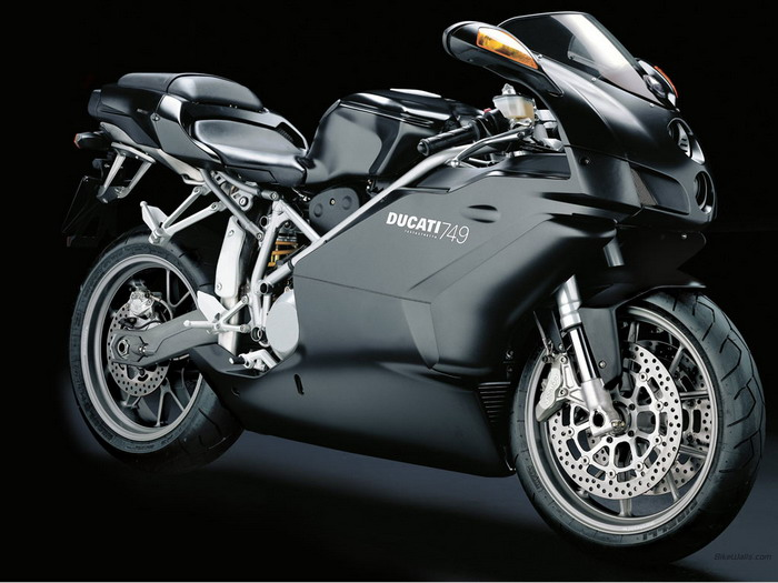 Ducati 749 S 2003 - 13