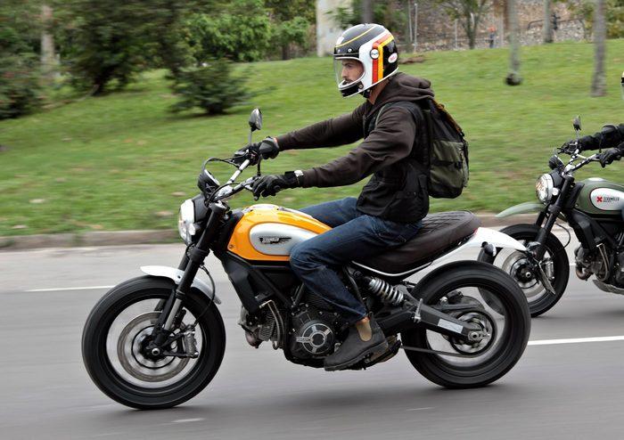 Ducati SCRAMBLER...L'equipe 21