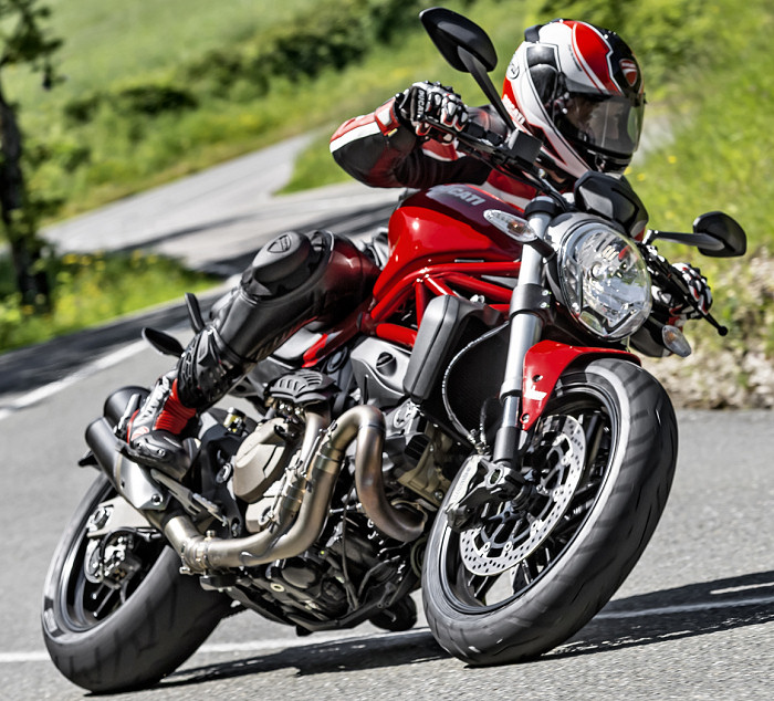 ducati 821 monster 2015 fiche moto motoplanete. Black Bedroom Furniture Sets. Home Design Ideas