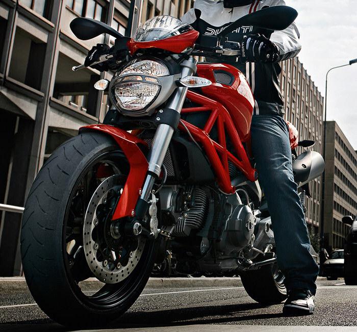 ducati 696 monster 2011 fiche moto motoplanete. Black Bedroom Furniture Sets. Home Design Ideas