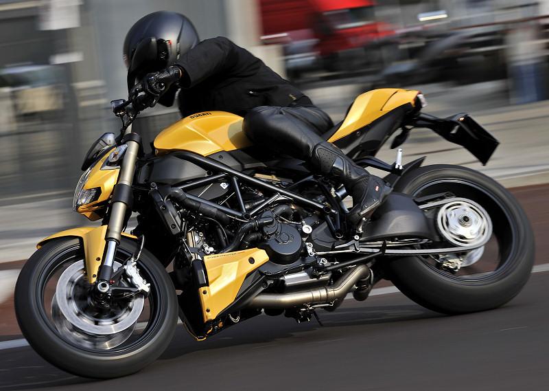 ducati streetfighter 848 2013 fiche moto motoplanete. Black Bedroom Furniture Sets. Home Design Ideas