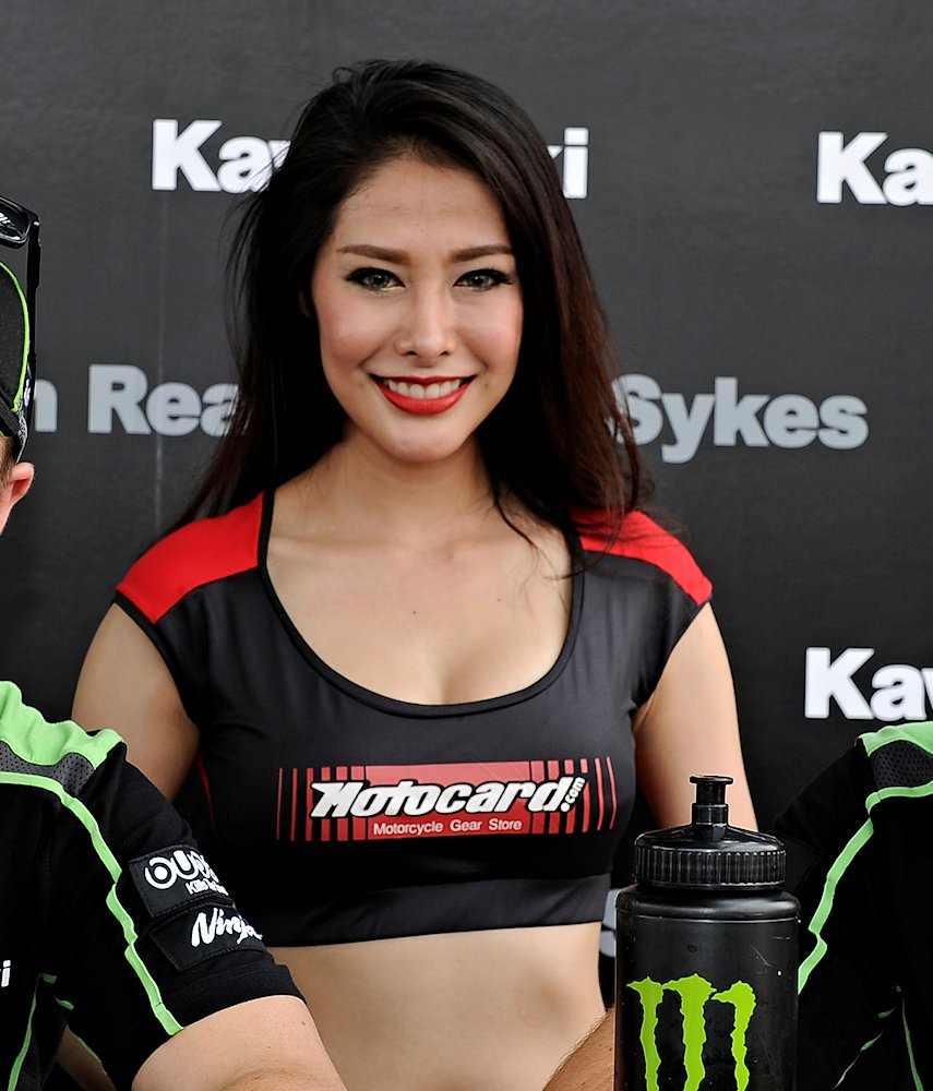 Galerie photos des grid girls du Superbike - Manche Thailande 2016 - Galeries photos - MOTOPLANETE
