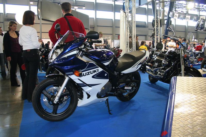 Le salon de la moto des alpes 2006 salons nationaux for Salon le 58