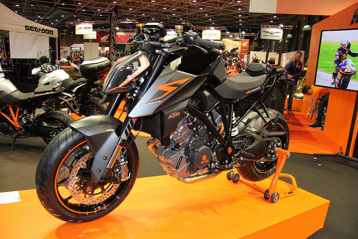 Visite du salon de la moto de lyon eurexpo 2017 for Salon eurexpo lyon 2017