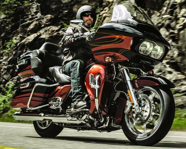 Harley-Davidson CVO 1800 ROAD GLIDE ULTRA FLTRSE 2015
