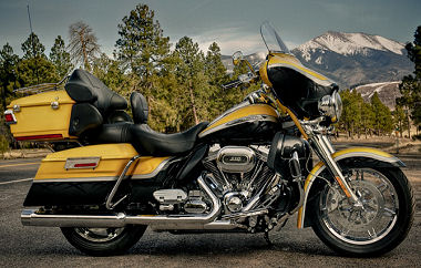 Harley-Davidson CVO ELECTRA GLIDE ULTRA CLASSIC 1800 FLHTCUSE7