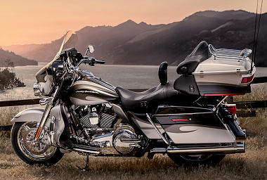 Harley-Davidson CVO ELECTRA GLIDE ULTRA CLASSIC 1800 FLHTCUSE8