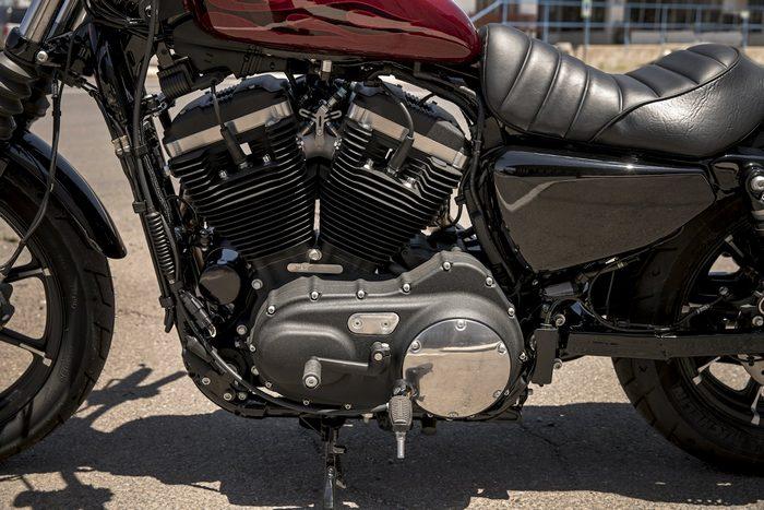 harley davidson xl 883 sportster iron 2016 galerie moto motoplanete. Black Bedroom Furniture Sets. Home Design Ideas