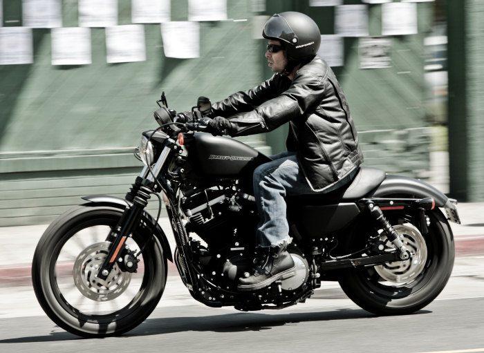 harley davidson xl 883 sportster iron 2014 galerie moto motoplanete. Black Bedroom Furniture Sets. Home Design Ideas