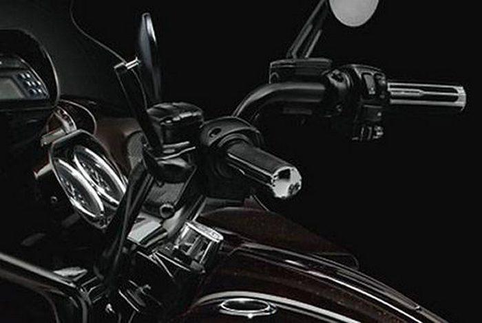 Harley-Davidson CVO ROAD GLIDE CUSTOM 1800 FLTRXSE2 2013 - 11