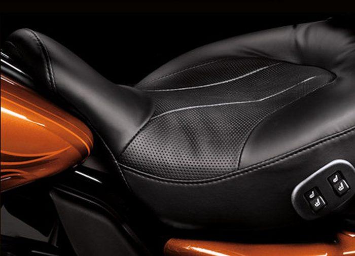 Harley-Davidson CVO ELECTRA GLIDE ULTRA CLASSIC 1800 FLHTCUSE5 2011 - 3