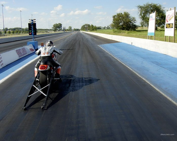 Harley-Davidson 1300 V-ROD DESTROYER VRXSE 2006 - 3