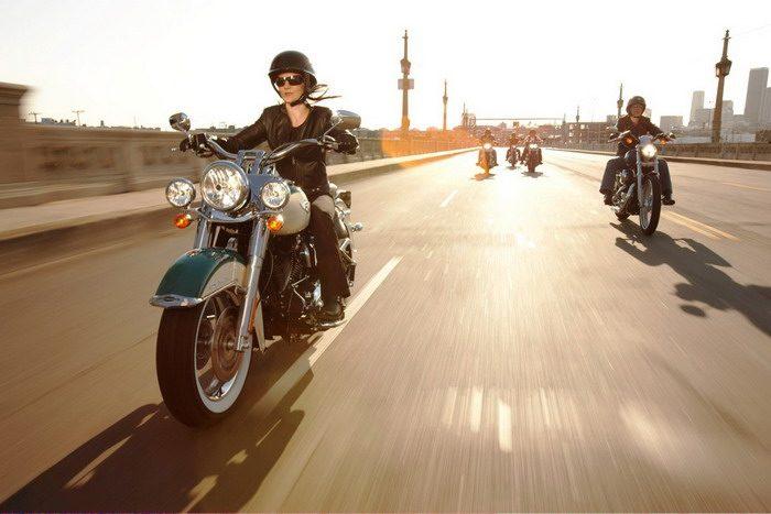 Harley-Davidson 1584 ROAD KING CLASSIC FLHRCI 2007 - 10