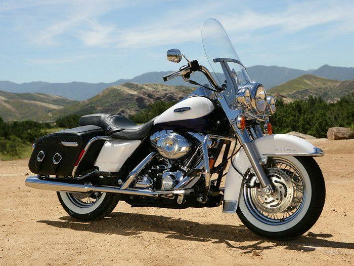 Harley-Davidson 1584 ROAD KING CLASSIC FLHRCI 2007 - 20