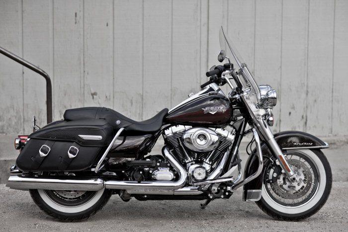 Harley-Davidson 1584 ROAD KING CLASSIC FLHRCI 2007 - 20112