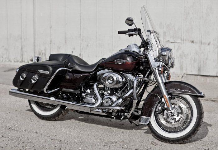Harley-Davidson 1584 ROAD KING CLASSIC FLHRCI 2007 - 20114