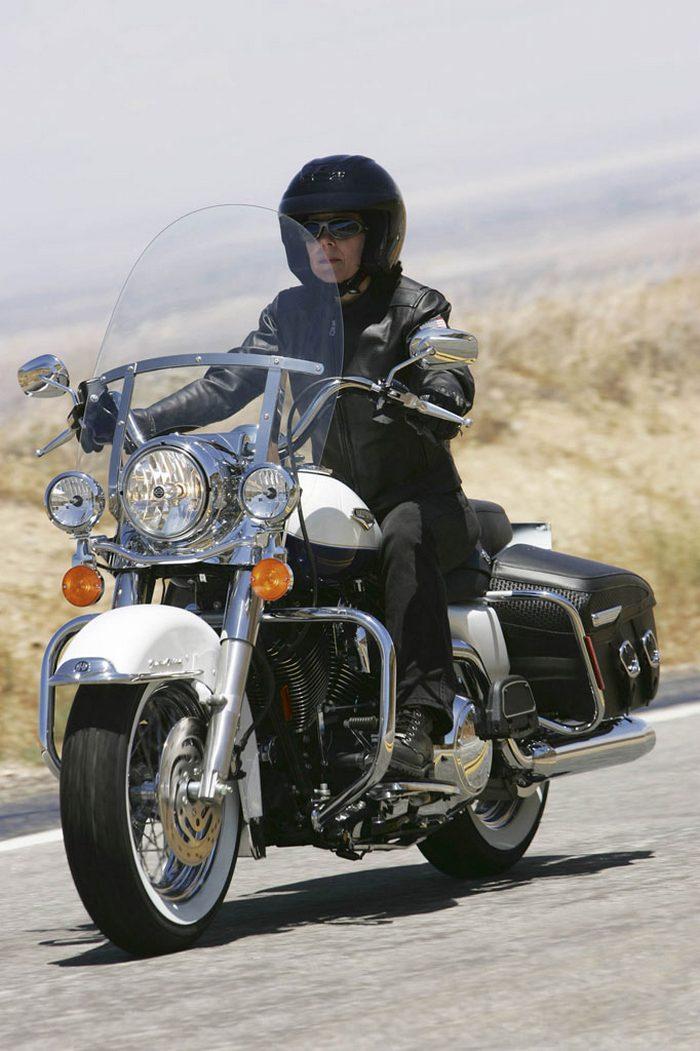 Harley-Davidson 1584 ROAD KING CLASSIC FLHRCI 2007 - 4
