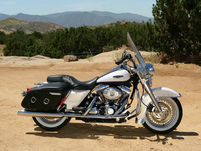 Harley-Davidson 1584 ROAD KING CLASSIC FLHRCI 2007 - 19
