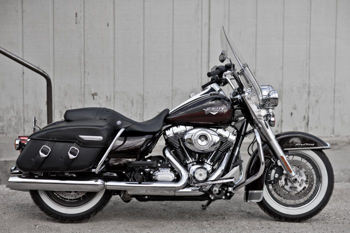 Harley-Davidson 1584 ROAD KING CLASSIC FLHRCI 2007 - 20112