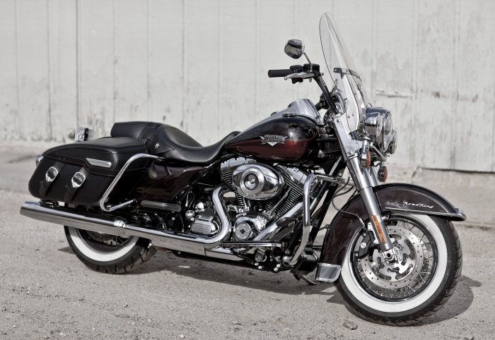 Harley-Davidson 1584 ROAD KING CLASSIC FLHRCI 2007 - 20114