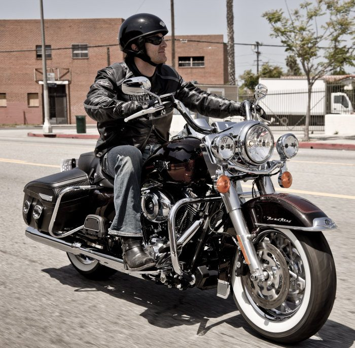 Harley-Davidson 1584 ROAD KING CLASSIC FLHRCI 2007 - 20115