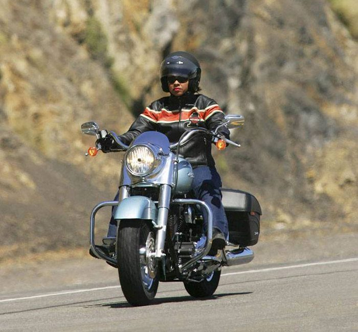 Harley-Davidson 1450 ROAD KING CUSTOM FLHRSI 2005 - 4