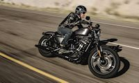 Harley-Davidson XL 883 SPORTSTER IRON