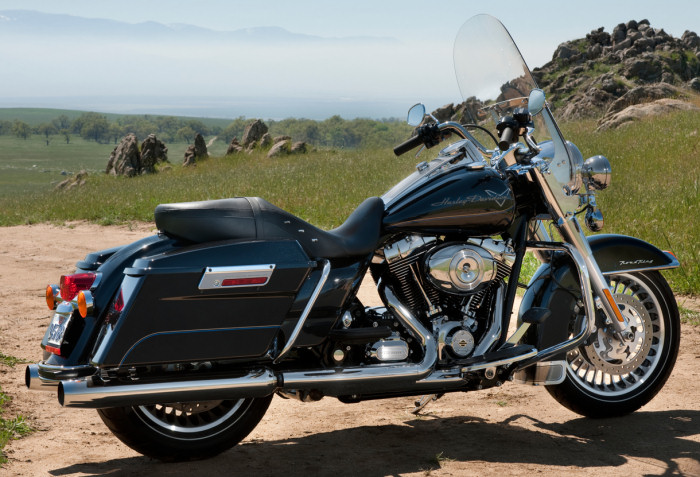 Contact on harley dyna glide specifications